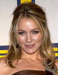 Becki Newton Biography, Career, Height, Movies, Wiki, Twitter